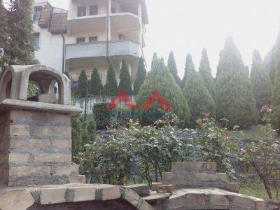 Detaljnije : KUĆA, >5.0, prodaja, Beograd, 232 m2, 175000e
