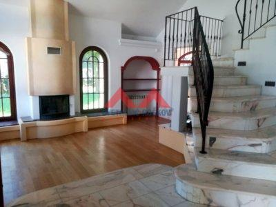 Detaljnije : KUĆA, >5.0, prodaja, Beograd, 328 m2, 450000e